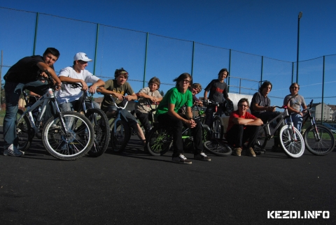 Kézdi Rollerz - Big Up Kru Check One Bikers